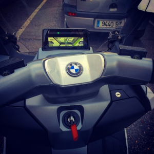 BMW-C-Evolution-Cockpit